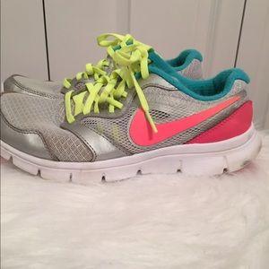 Nike Flex Experience RN 3 Size 4.5Y